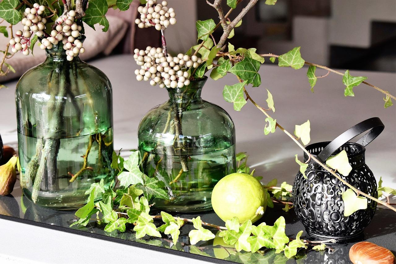 Pięć pomysłów na roślinną dekorację stołu